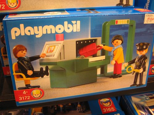 Playmobil_security